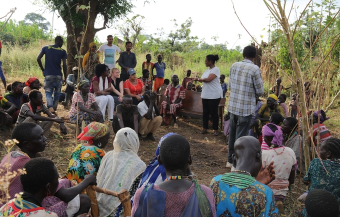 Delegation interacting with Gumuz women who benefited from the preogramme